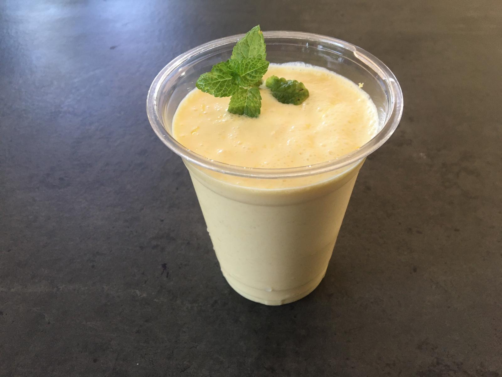 Een Indiase frisse soja yoghurt drank